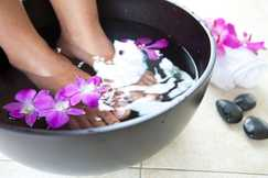 Indulge,loved ones, Foot Spa